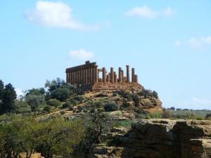 Agrigento,_Italy__Temple_of_Hera_01