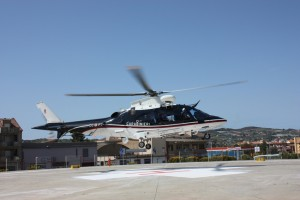 01.04.10_Elicottero CC_atterraggio_ospedale Canicattì