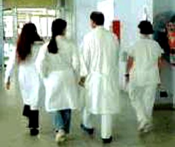 ospedale corsia medici camici
