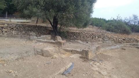 Blocchi in area scavi Valle Templi Agrigento